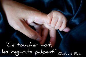 Le toucher voit, les regards palpent